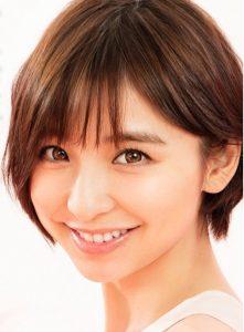 ハニードロップス(ハニーブラウン)ワンデーのモデルは篠田麻里子